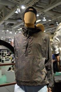 moda-męska-na-panoramie-berlin-CAMEL-ACTIVE