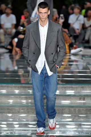 trendy-mody-fashionbusiness-Versace-SS_19_29102018101818