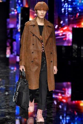 trendy-w-modzie-meskiej-fashion-business-Neil_Barrett-FW_19_20_17220196815
