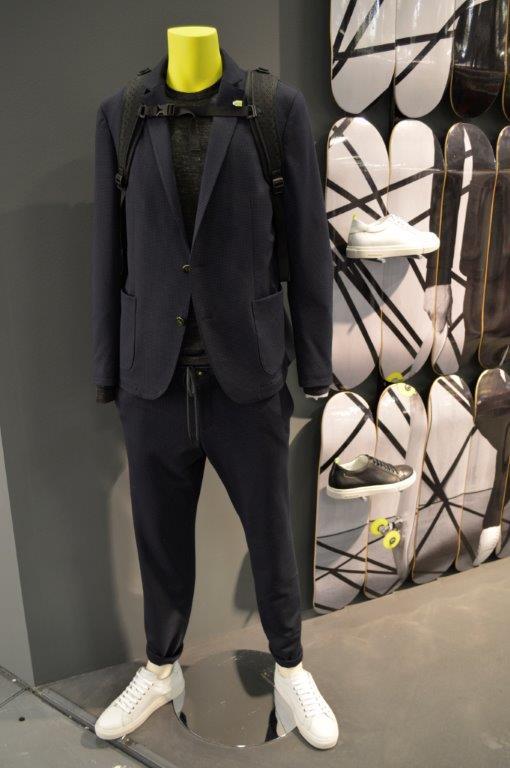 bienvenuto-08-sneaker-suit