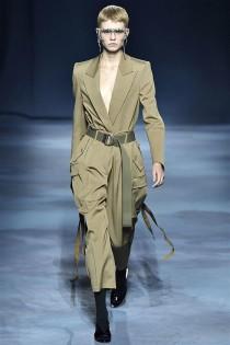 trendy-w-modzie-fashion-business-Givenchy-SS_19_910201885039