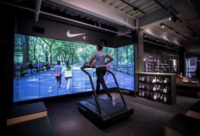 Tredny-w-retailu-customer-experience-Nike-rynek-mody-w-polsce