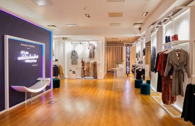 Tredny-w-retailu-pop-up-store-Amazon-rynek-mody-fashionbusiness