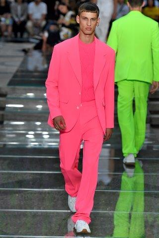Trendy-fashionbusiness- Versace-SS_19_29102018103041